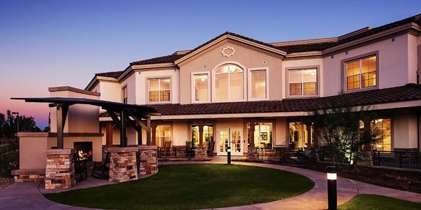 Assisted-Living-Courtyard